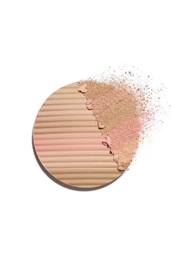 352cdb22fca Les Beiges Healthy Glow Luminous Multi-Colour Powder by CHANEL...