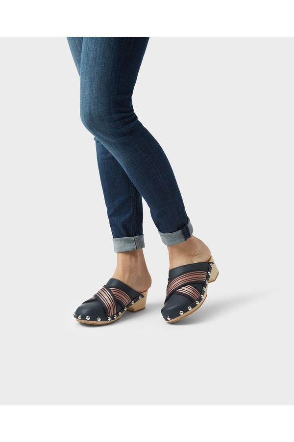 9f5304510cd6a Women s Refined Webbing Cross Clogs by Hunter at ORCHARD MILE