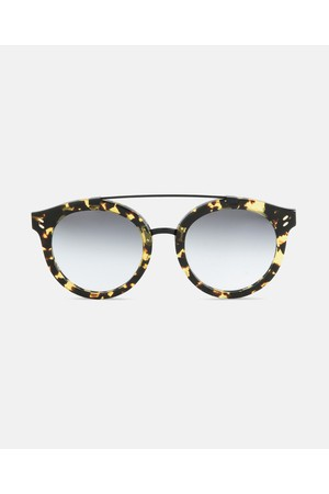265714eeb9 Shop Accessories   Sunglasses   Round from Stella McCartney at...